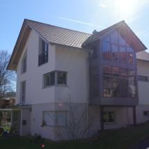 Wohnhaus mit Glasvorbau
